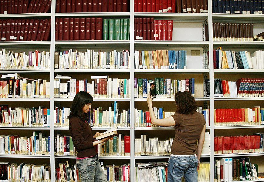 Ragazzi Biblioteca Lingue
